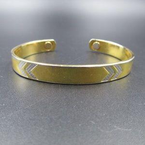 Jewelry - Vintage Rustic Gold Tone Arrows Cuff Bracelet